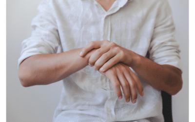 Se réveiller avec des mains engourdies : Causes et traitement